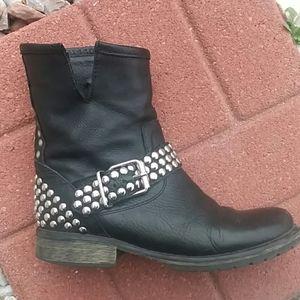 Steve madden biker boots  black leather studded